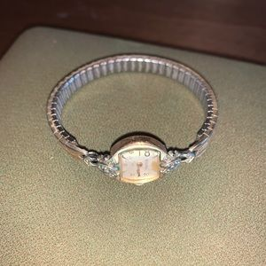 Vintage Ladies Bulova Wrist Watch M9 10K G…